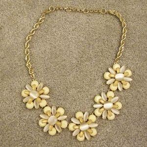 Banana republic cream flower statement necklace